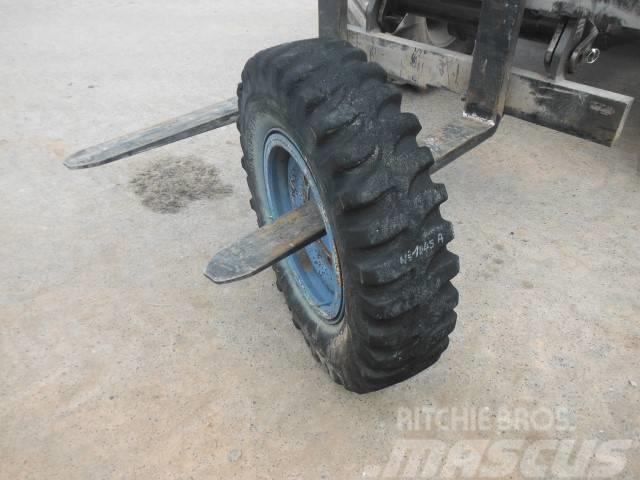 Dunlop 900R20 1045