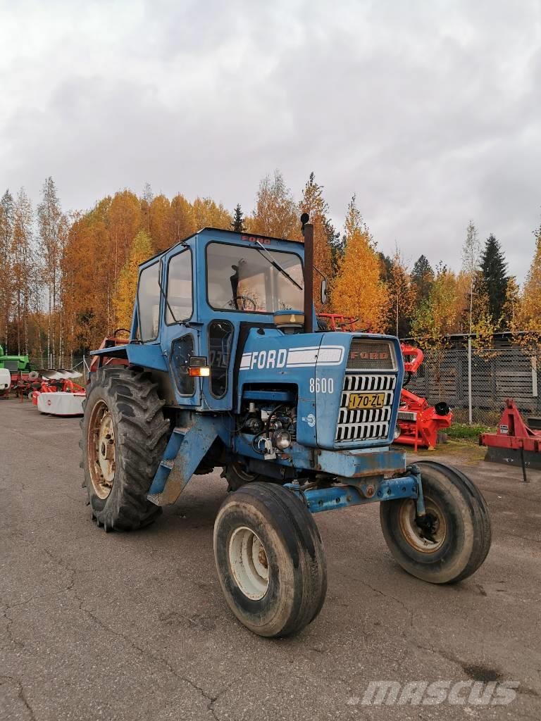 Ford 8600