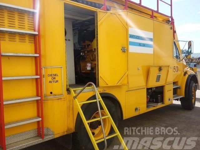 [Other] SDI Aviation Aircraft De-Icer trucks