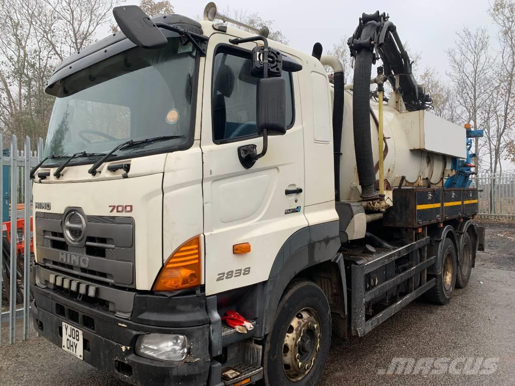 Hino 700 2838 Fitted With Vallely Jet Vac Tanker