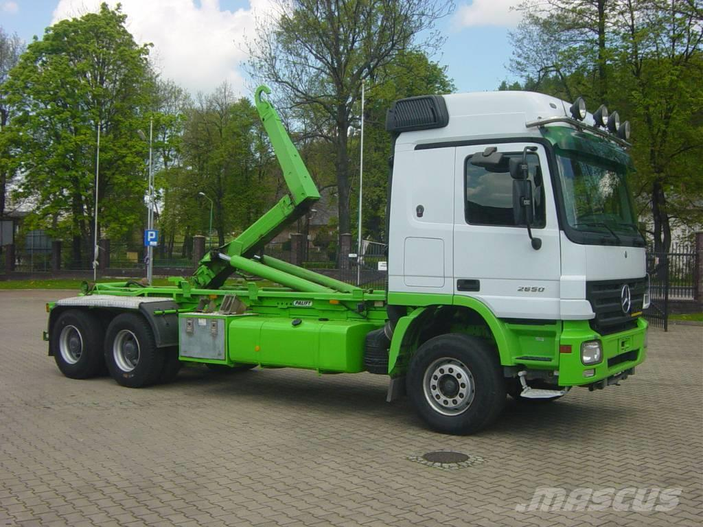 Mercedes benz 2650 actros mp2 hook lift trucks year of for Mercedes benz actros for sale