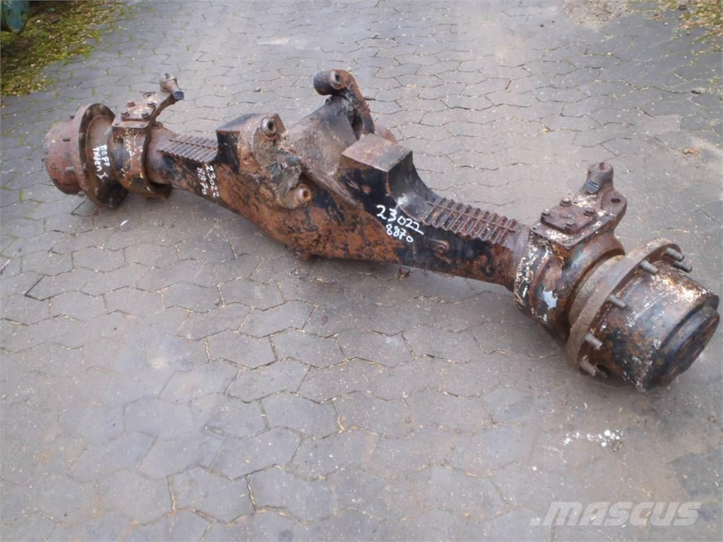 [Other] Front axle New Holland 8870