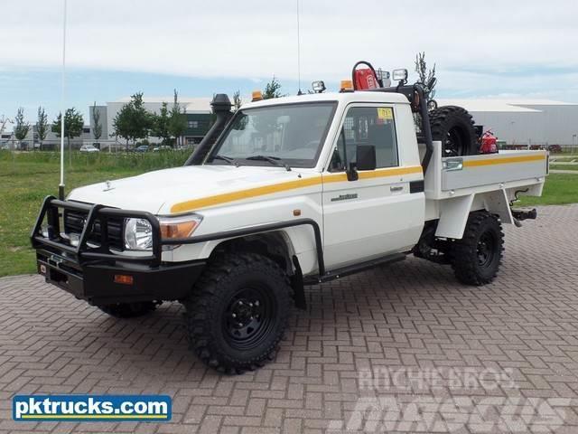 Toyota Land Cruiser HZJ79L
