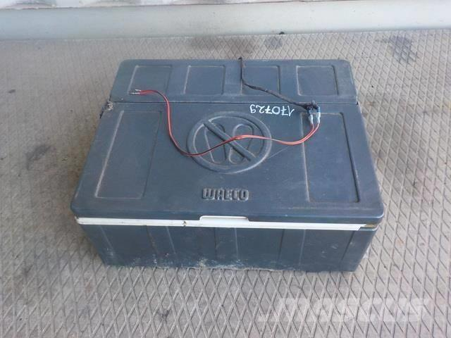 Mercedes-Benz Actros MPII Cooler box 7DYT001336105 7DYT001104883