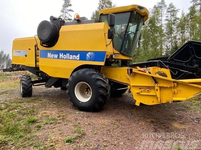 New Holland *Tilalla* TC 5050