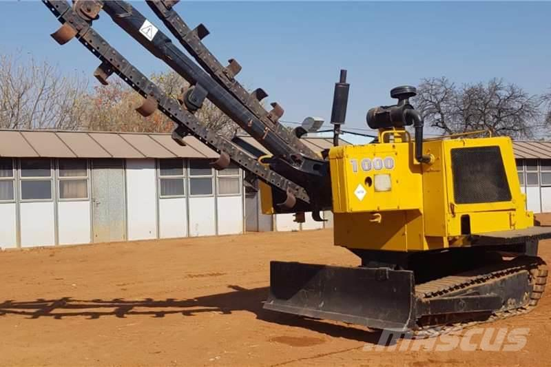 CASE 1000 TRENCHER