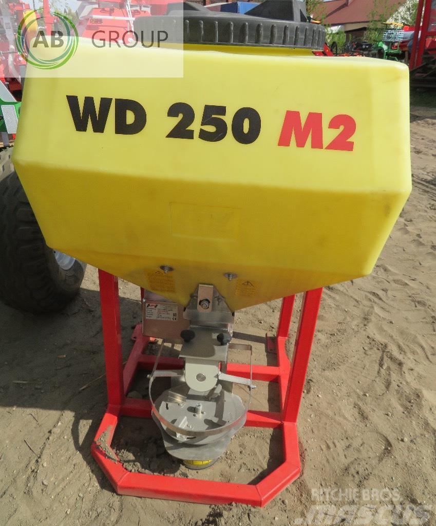 APV Salzstreuer WD250 M2/salt spreader /L'épandeur