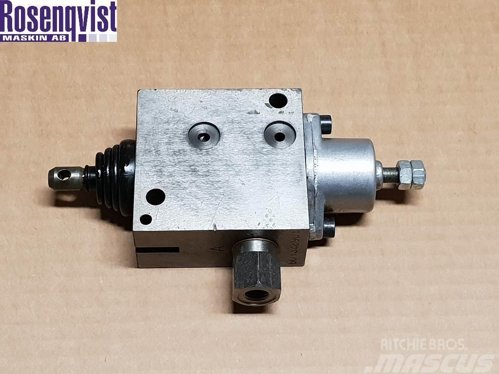 Fahr/deutz-fahr Directional valve 06238187 06238186, 1111422990800