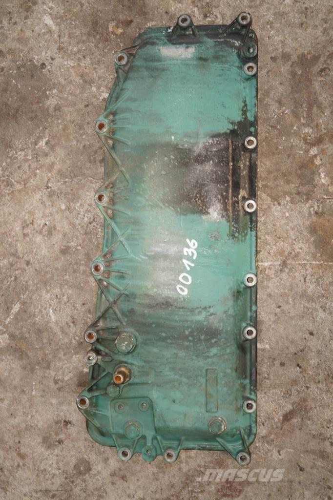 Volvo FH16 / ENGINE OIL RADIATOR COVER