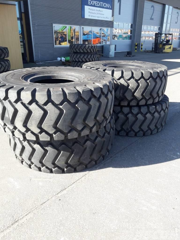 Triangle 23.5x25 TB516 L3 Tires