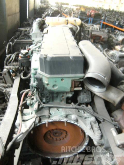 Volvo D 12 D 360 EC 01 VEB / D12D360EC01VEB, 2004, Motorer