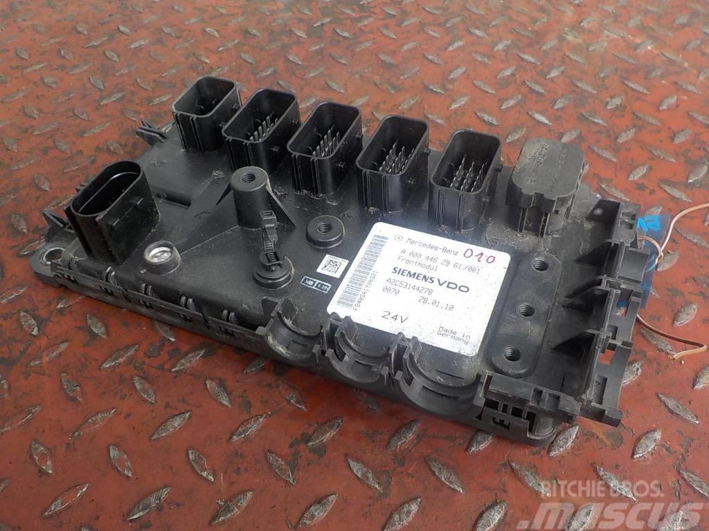 Mercedes-Benz Actros MPIII Frontmodul control unit 4462961 A2C53