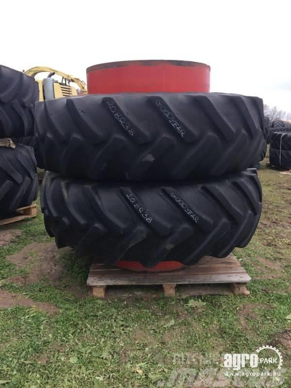 Goodyear Twin wheel set 520/85R38 tires, 1 pair