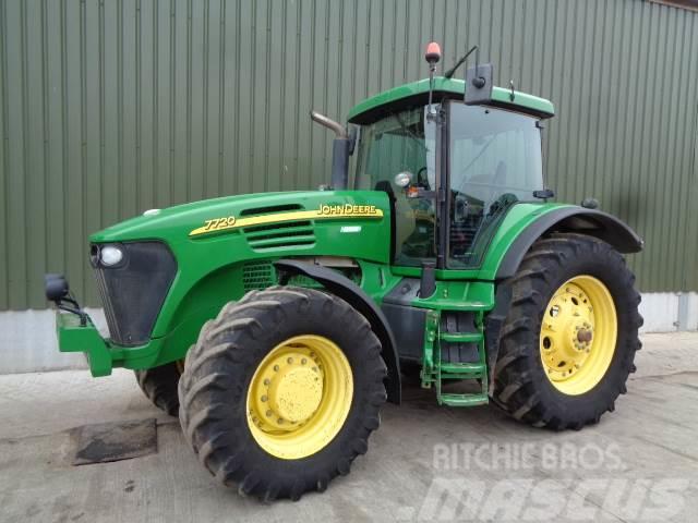 John Deere 7720 PQ tractor