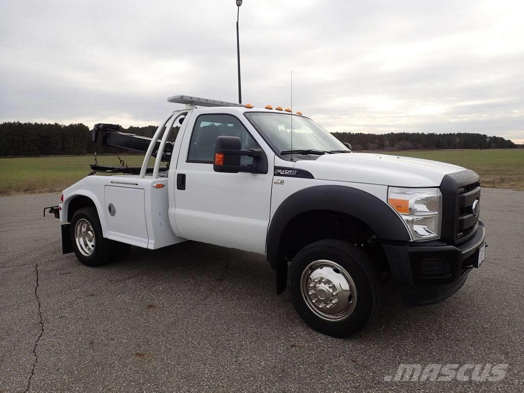 Ford F-450 Super Duty Century