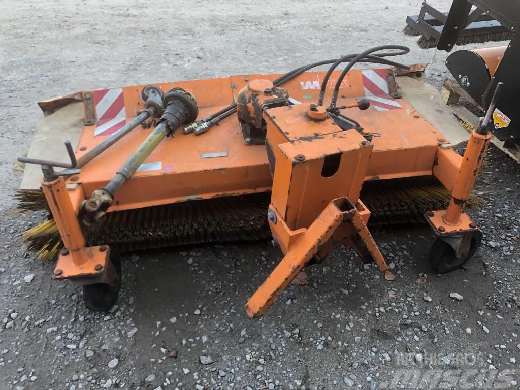 [Other] WIMA Kehrmaschine * 150 cm Arbeitsbreite * Antrieb