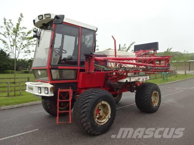 Bateman HI-LO Contour 24m Self Propelled Sprayer