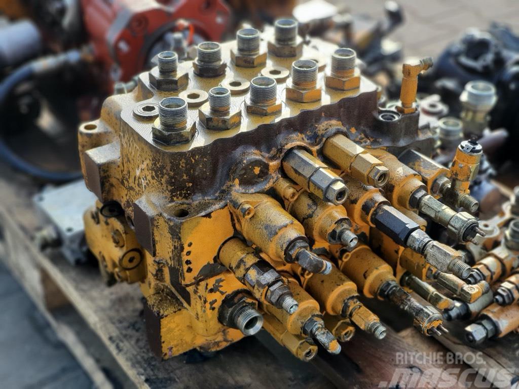 Hyundai Robex 130 LC-3 rozdzielacz