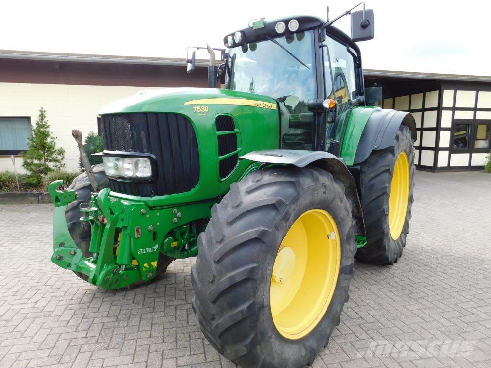 John Deere 7530 Premium Allrad Traktor **8-fach Bereifung**