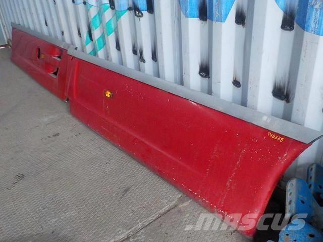 DAF XF105 Spoiler on a frame 7DYT001340610