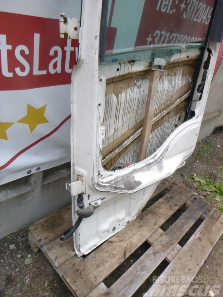 Scania R144 Left door