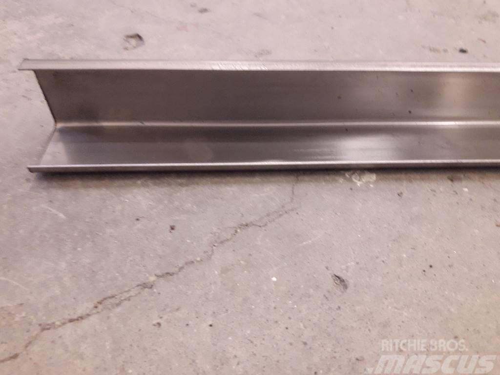 [Other] Liukukisko alumiinipuomeihin