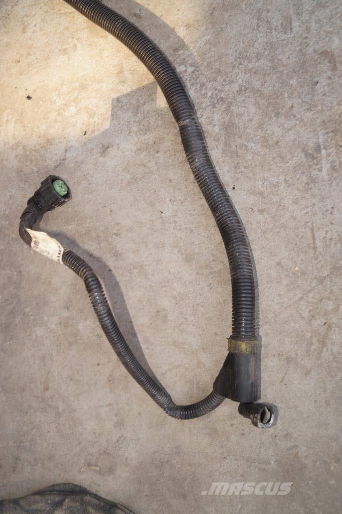 Renault PREMIUM DXI / ADBLUE FLUID PIPE WITH HEATER
