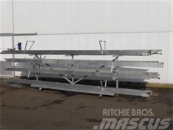 Heto 44,8 m. potplanten transportband met regelbar Duij