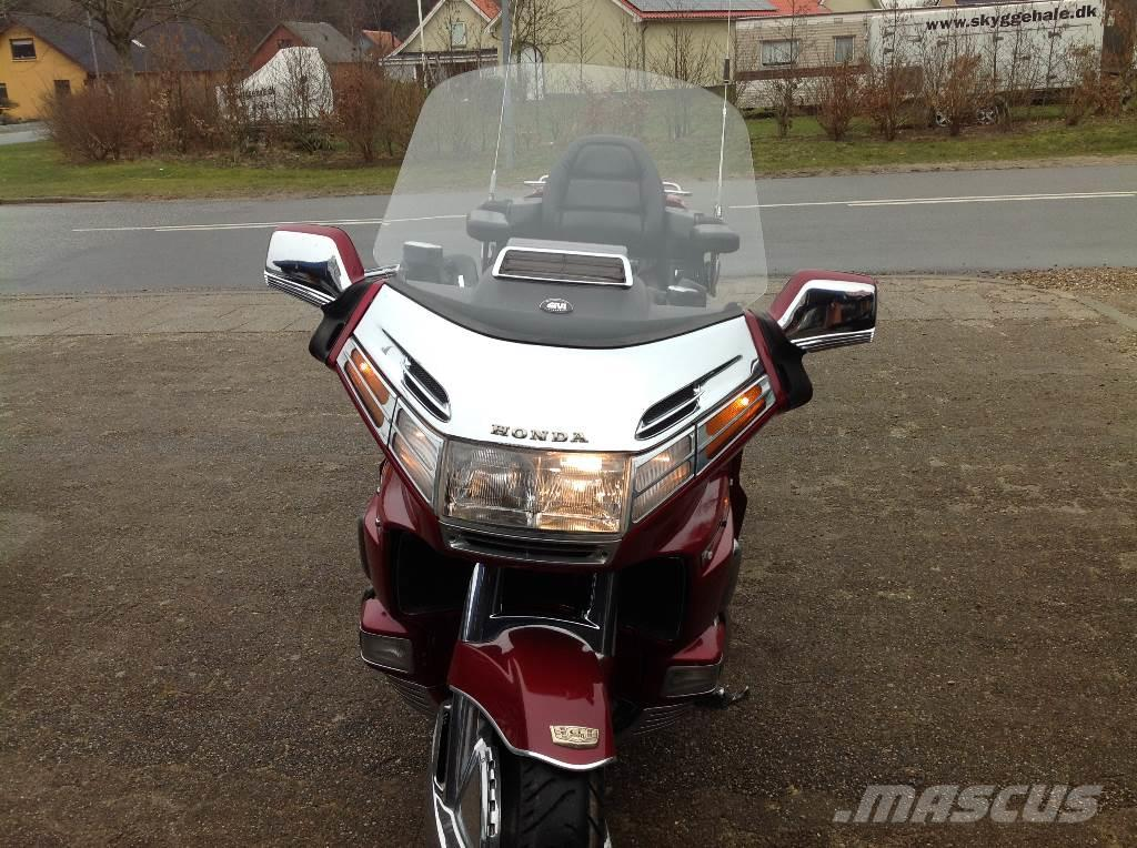 honda goldwing 1500 occasion prix 6 045 ann e d 39 immatriculation 1989 voiture honda. Black Bedroom Furniture Sets. Home Design Ideas