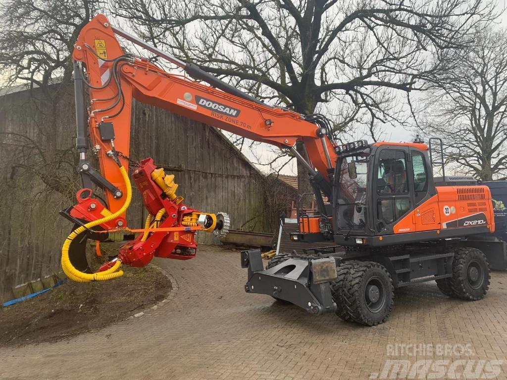 Doosan Woody WH60-1 Harvester DX 210