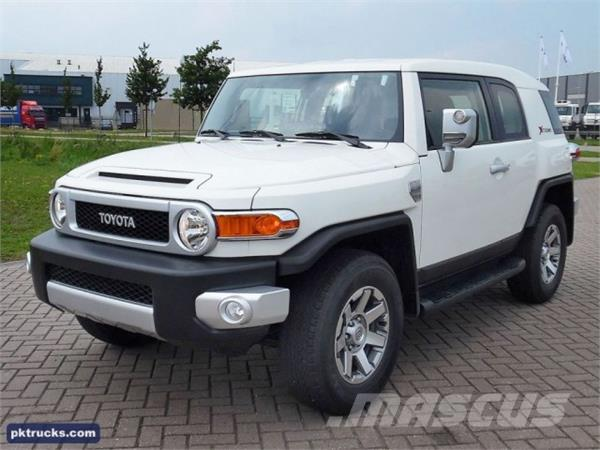 toyota fj cruiser xtreme occasion prix 34 500 ann e d 39 immatriculation 2015 voiture. Black Bedroom Furniture Sets. Home Design Ideas