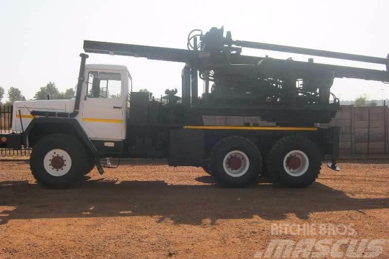 Samil 100 6x6 Deutz Engine & Auger Drill