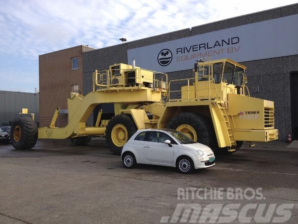 Mercedes-Benz 4x4 heavy duty off road tractorhead plus trailer