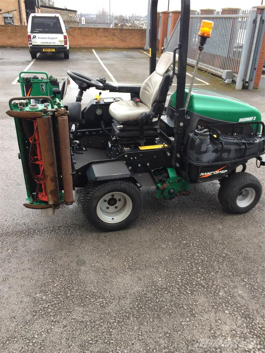 Ransomes Highway 3 Triple Ride On Mower