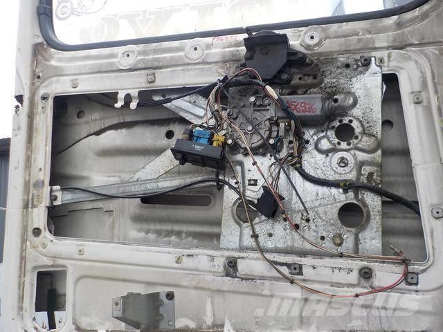 Volvo FH Electrically controlled window left 3176535