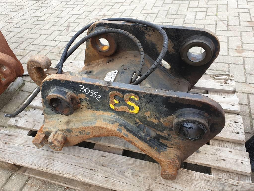 Eurosteel Excavator Quick coupler CW40, Hyundai R210