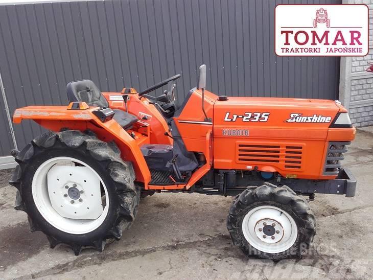 Kubota Traktorek L1-235 4x4 23KM