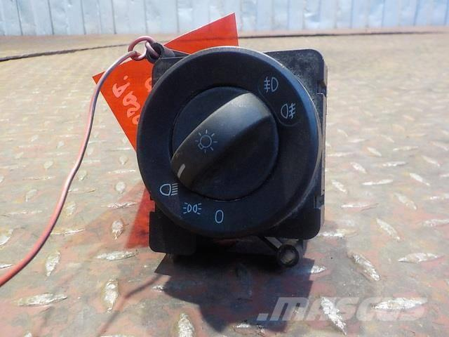 Mercedes-Benz Actros MPIII Headlamp switch 9435451704