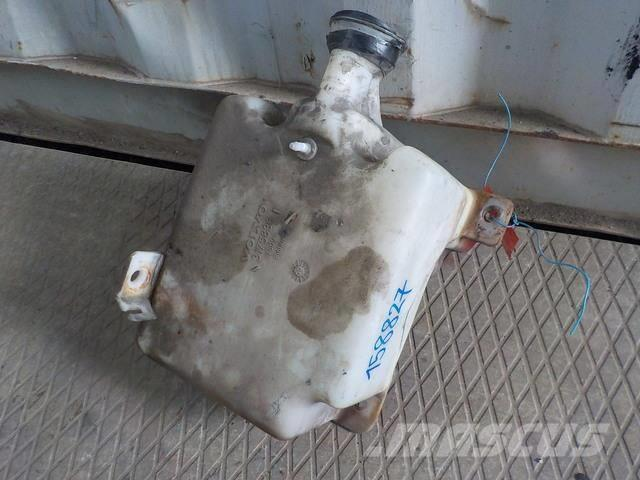 Volvo FH Windscreen washer reservoir 3175836 3175837