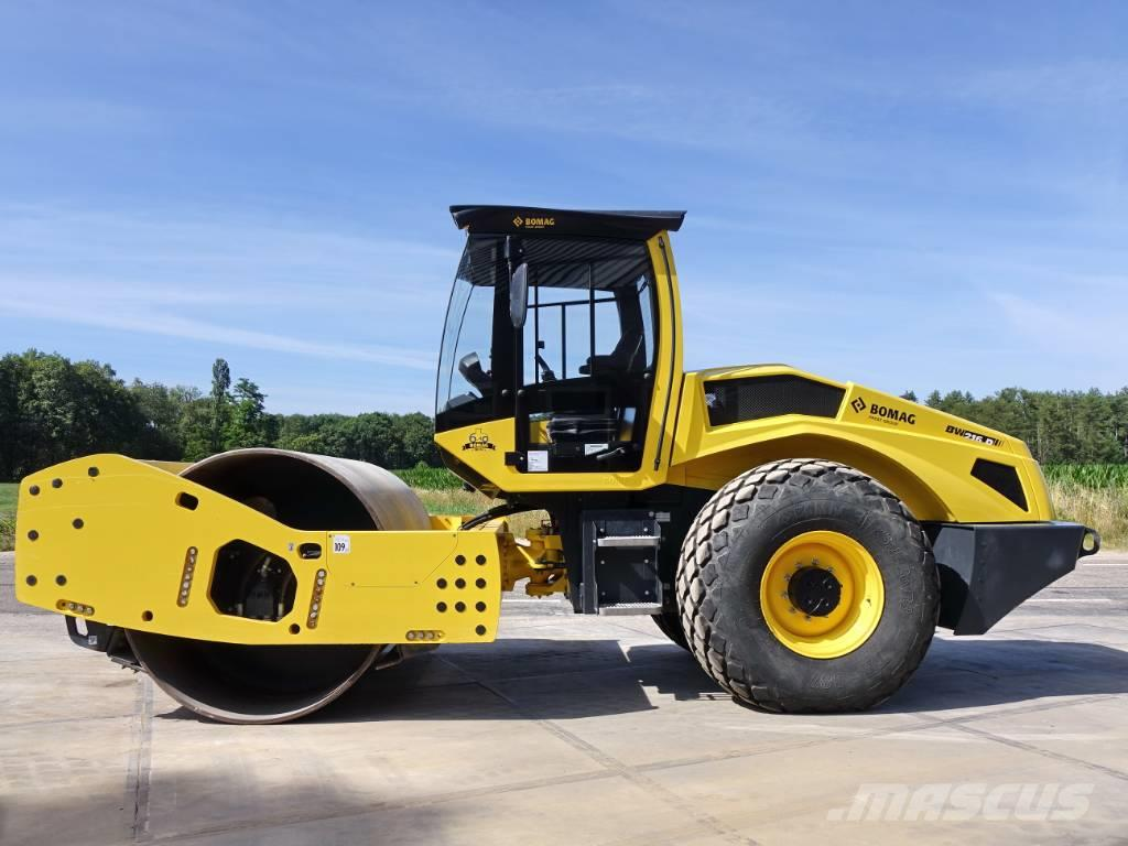 Bomag BW216 D-5 (319 HOURS)