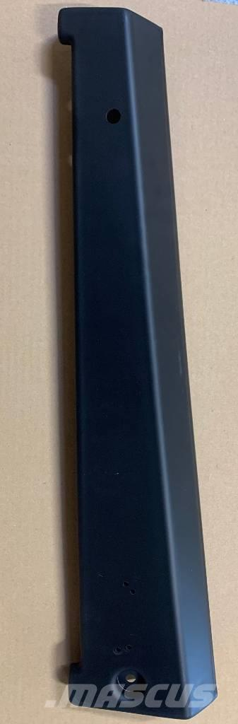 Same Deutz-Fahr Skydd Hyttsida Vänster - 0.009.8655.0/10
