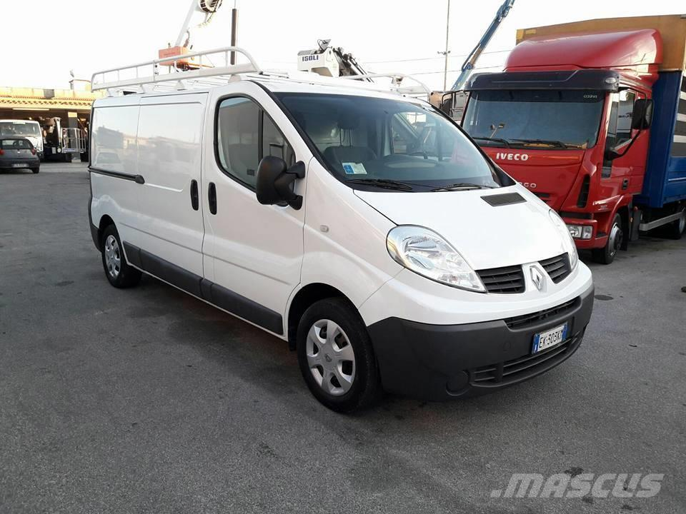 renault trafic occasion prix 10 500 ann e d 39 immatriculation 2011 utilitaire renault. Black Bedroom Furniture Sets. Home Design Ideas