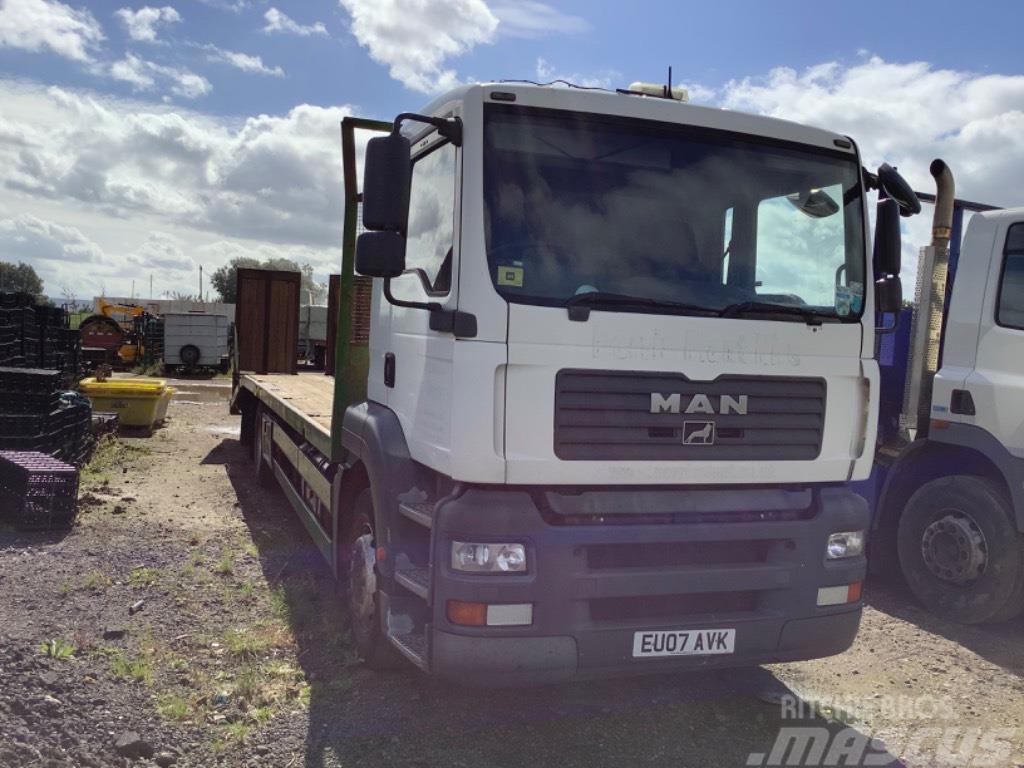 MAN Beaver tail plant lorry