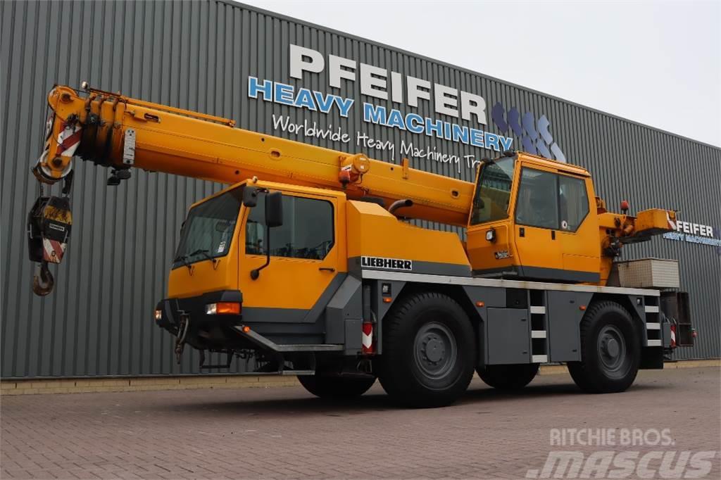 Liebherr LTM1030-2 4x4x4 Drive, 35t Capacity, 30m Main Boom