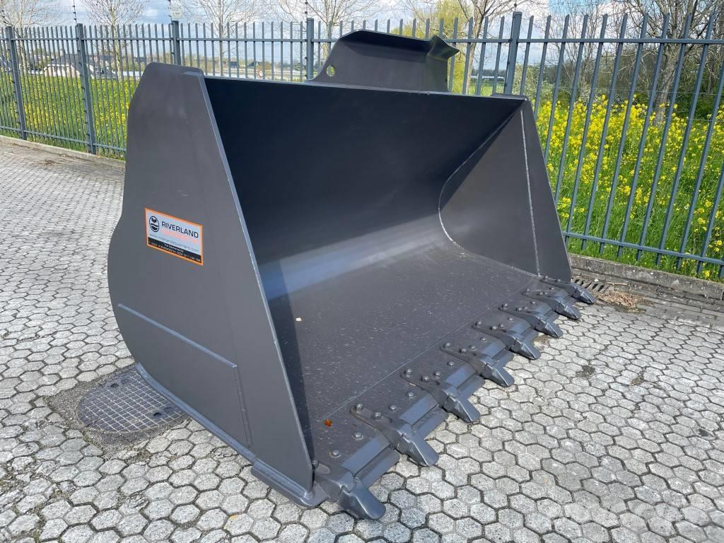Volvo L150H demo bucket with teeth