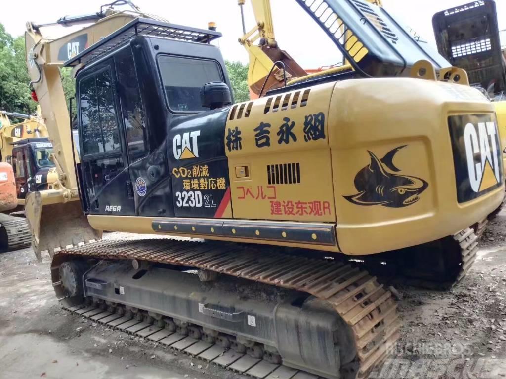 Caterpillar 323 D2L