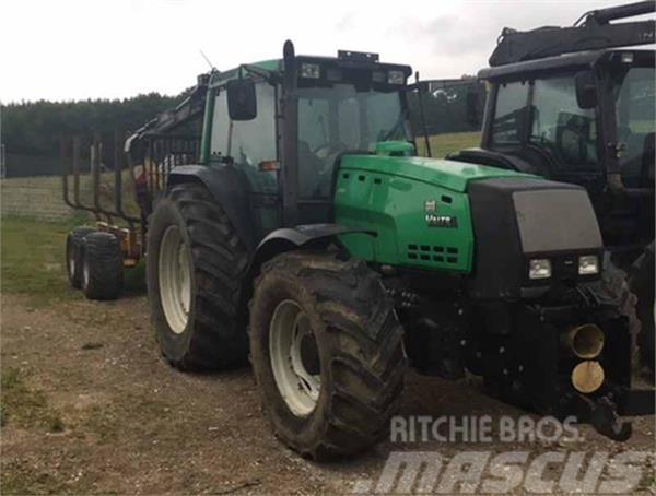 valtra schlepper traktor 8550 gebrauchte traktoren gebraucht kaufen und verkaufen bei mascus. Black Bedroom Furniture Sets. Home Design Ideas