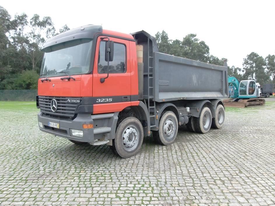 Mercedes-Benz Actros 3235
