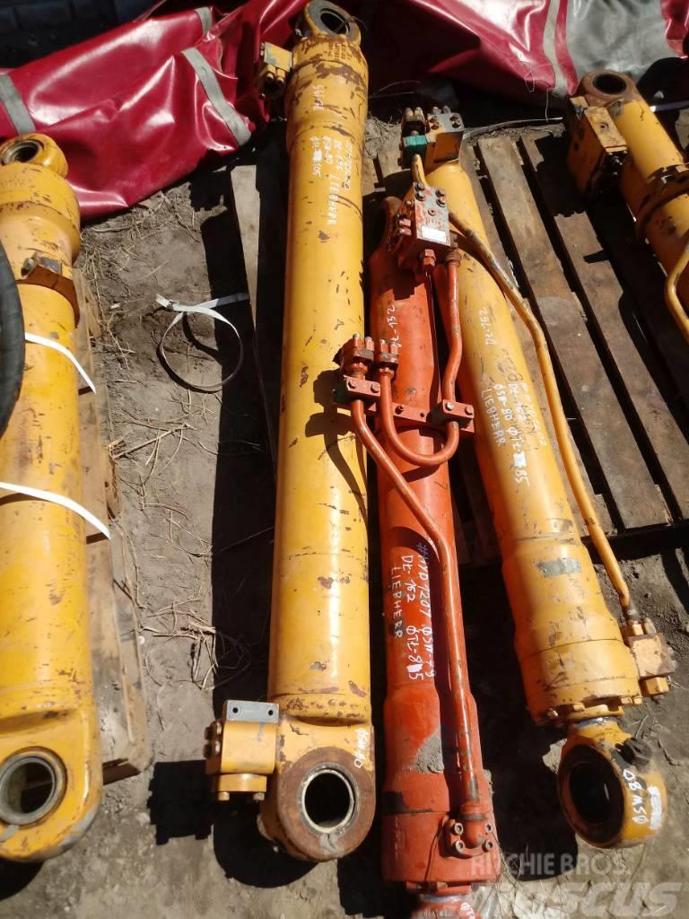 Liebherr Siłownik Liebherr Hydraulic cylinder 195 80 105