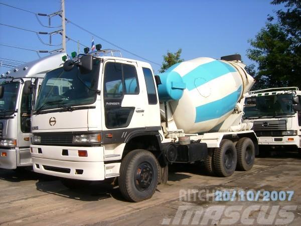 Hino รถประกอบนอก, 2010, Cementbil